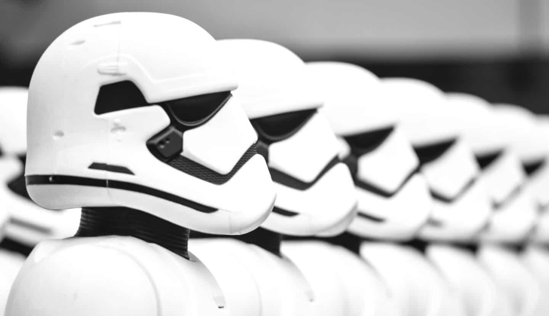 Photo d'une armée de robots